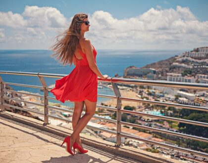 6 tipů na výběr letních šatů podle barev, které jsou v módě