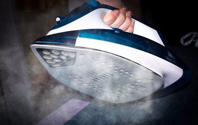 Napařovací žehlička – její využití a výhody
