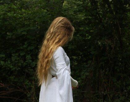 Jaké jsou účinné metody na prodloužení vlasů