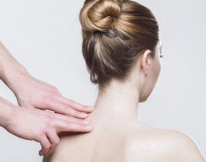Jak se  zbavit akné na zádech