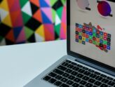 Obdarujte své blízké originálními personalizovanými dárky z online tiskárny