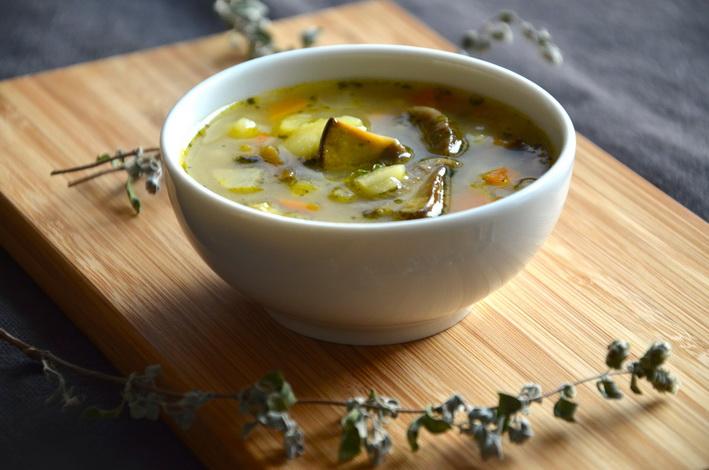 Recept na bramboračku s čerstvými houbami