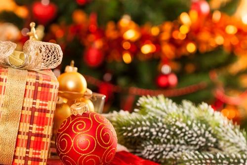 Ne všude chodí Ježíšek - kdo nosí dárky ve světě?