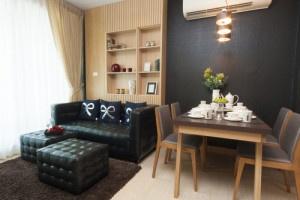 Efektivní propojení obývacího pokoje a kuchyně