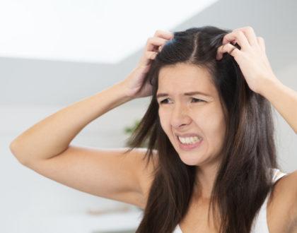 Jak zamaskovat mastné vlasy?