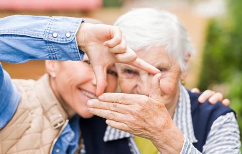 Stará láska nerezaví - jak nosit zvonové kalhoty?