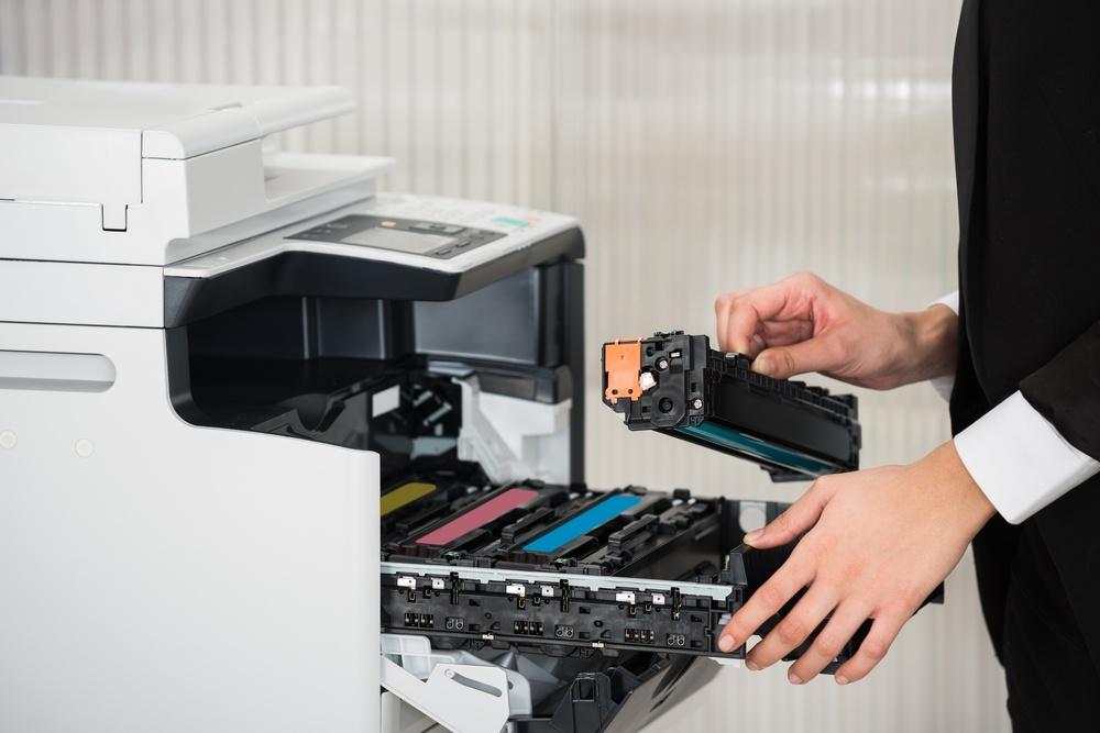 Výměna náplně v tiskárně