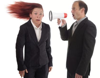 Jak se na pracovišti vyrovnat se šikanou od šéfa