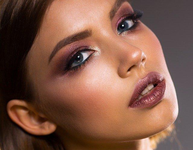6 tipů, jak si správně nalíčit oči
